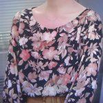 ドラマ「SUITSスーツ」新木優子の衣装をプチプラで真似できる!花柄ブラウスや肩リボンチェックブラウスなどみたいなオフィスカジュアルなファッションがかわいい!