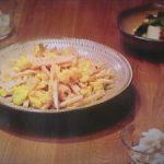 ドラマ「きのう何食べた?」レシピ1話 ごぼうと舞茸の炊き込みご飯、たまごとタケノコとザーサイの中華炒め
