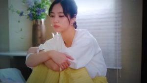 ギルティ3話新川優愛衣装黄色のロングスカート