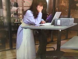 「私の家政婦ナギサさん」多部未華子衣装3話白スカート