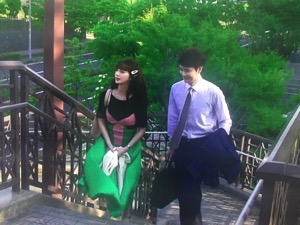 「私の家政婦ナギサさん」4話メイ(多部未華子)衣装緑プリーツスカート