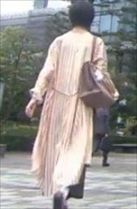 「リモラブ」美々(波瑠)衣装1話ストライプシャツ「リモラブ」美々(波瑠)衣装1話ストライプシャツワンピースワンピース