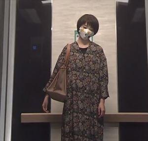 「リモラブ」美々(波瑠)衣装1話花柄ワンピース