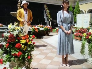「ルパン娘」深田恭子衣装1話花柄ワンピース
